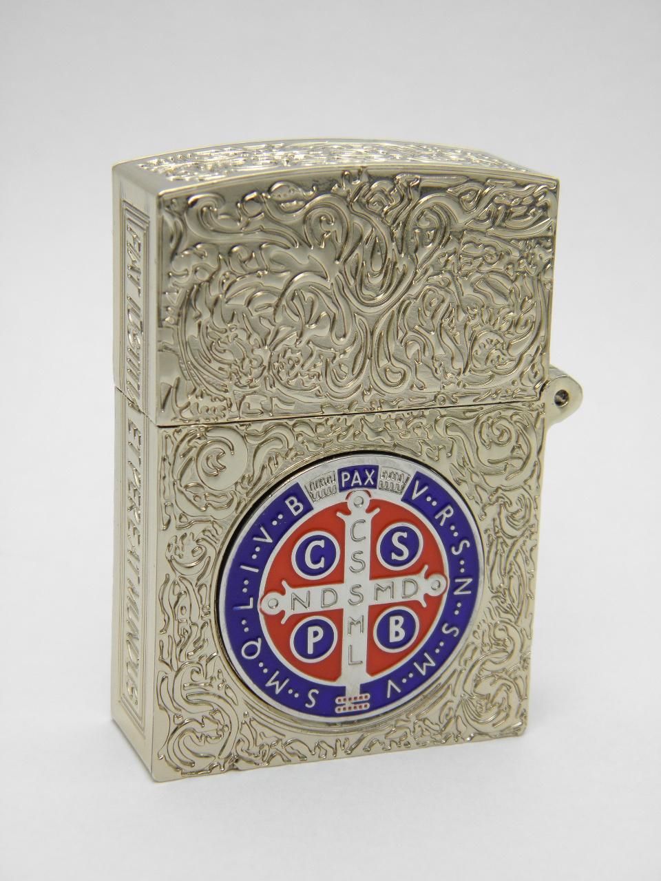 コンスタンティン Zippo スモール 銀メッキ、6面彫、赤青クロスコイン