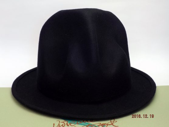 VIVIENNE WESTWOOD MOUNTAIN HAT Black