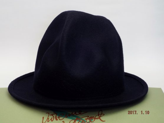 vivienne-westwood-mountain-hat-dark blue